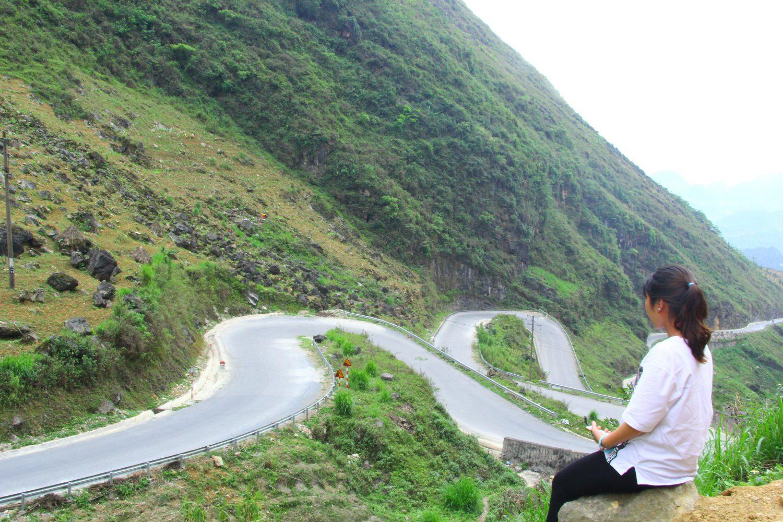 Chinh phục con dốc Thẩm Mã trên con đường đến Đồng Văn.